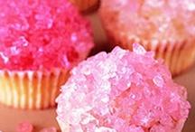 Cupcakes, Mmmm / by Heather Dzioba