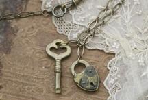 I <3 Vintage! / by Christina Maguadog