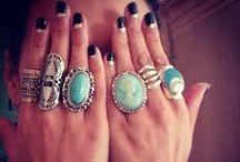 big rings & short, painted nails / nails: nail varnish, short nails, painted nails rings: large silver, costume, statement, vintage / by Karen Wrai Karn