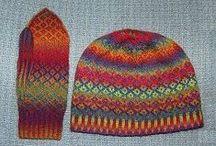Knitting Sets / by Sylvia Gauthier