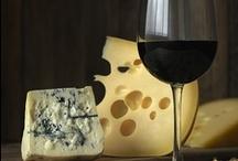 Pan, vino y queso, mmm.... / by Lucia Millan Sanchez
