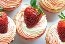 cupcakes / by Lauri Leroy