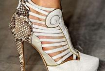 FASHION : Shoes / by Monique Robinson
