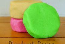 Playdough & Craft Recipes / Recipes for playdough, homemade paints and craft materials, and sensory activities for kids