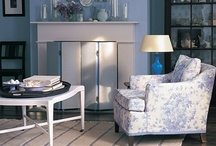 Mantles and Fireplace Surrounds / by Pam Thompson