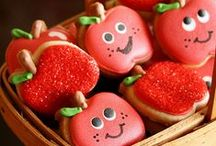 Cookie cuteness / Decorated cookies are so cute....projects to do someday. / by Michele Garlit