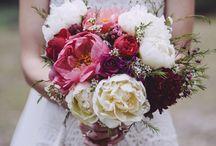 Wedding flower ideas / Beautiful wedding flowers and bouquets