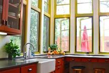 In the kitchen. Now you're cookin'! / Kitchen Design