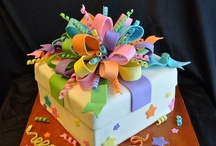 Beautiful Cakes / by Annette Tilney