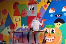 Murais / Imagens da produção, dos materiais, dos muralistas e do resultado final desta categoria artística.