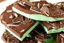 St. Patrick's Day / St. Patrick's Day Recipes, St. Patrick's Day Crafts, St. Patrick's Day Nails / by Slap Dash Mom (social media + blogging)