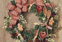 ♥ Seasonal Door Wreaths