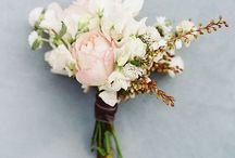 Flora / All things floral for the big day