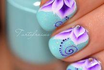 Floral Nail Art  / by Chrystal Cali