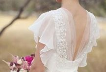 Wedding Gowns/Veils / by Laura Johnson