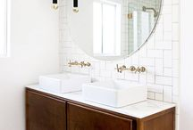 Beautiful bathrooms / Bathrooms of all kinds! Big and small, modern and traditional, monochrome and colourful.