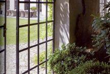 Puertas y ventanas - Doors & windows / Balconeras salida porche de hierro