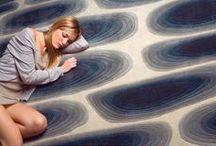 Diseño de alfombras junto a NOW carpets en el Máster Intensivo de Diseño de Producto / Este objeto, tan adorado desde la antigüedad, esconde un universo de texturas, materiales, técnicas de fabricación, etc. que se descubrirán de primera mano con un proyecto junto a NOW Carpets que desembocará en la realización de una alfombra real y su exposición en el showroom de esta marca.