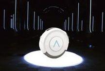 Design Experience - Diseño de Producto / Innovador robot inteligente diseñado para guiar y asistir a los viajeros. Inspirado en la rueda como sistema,que se alza como la herramienta perfecta para viajar cómodamente. Tiene señal de Bluetooth para conectar audífonos inalámbricos y poder escuchar música o la historia del lugar que se está visitando. Además, ofrece la posibilidad de guiar al usuario gracias al GPS Top Sequence, permitiendo también grabar vídeos o hacer fotos gracias a su cámara con lente de apertura de más de 180º.