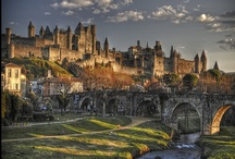 """Castles & Cathedrals / A merger of the boards """"Castles & Fortifications"""" and """"Churches & Cathedrals""""."""