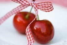 Food delights / A collection of delightful food, with a special blink for healthy goods!