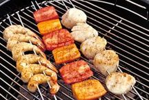 Summer Grilling Tips / Tips, hacks and tricks to get the most out of your Summer Grilling.