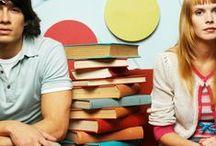 Studieglad® / Velkommen til Studieglad® -  Vi har hjulpet mange børn og voksne med læse-, stave- og studievanskeligheder. Intensiv undervisning målrettet til børn, unge og voksne. Studieglad® Leverer også kurser, workshops, foredrag til skoler, institutioner, virksomheder m.m. Rigtig mange børn og voksne i alle aldre har nu brudt læsekoden hos Studieglad®!  HAR DU STUDIEVANSKELIGHEDER? Undgå at droppe ud af dit studie. Heldigvis kan du gøre noget ved det hos Studieglad® Vi glæder os til at høre fra dig!
