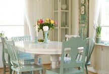 Whitehouse|Dining Room / by Love Tree Girl