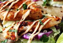 Best Chicken Recipes / Chicken is one of our favorite foods! Whether we're frying it up for lunch or dinner it's the perfect main dish for any meal!