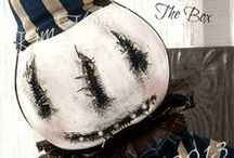A Haunted Halloween / Halloween Creatures And Beautiful Decorations