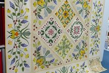 Appliqué Quilts / by Rebecca Deming Rumpf