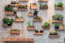 Jardim / Os jardins verticais mais lindos e inspiradores! Isso porque não precisamos de um espaço enorme para encher a nossa casinha de verde!