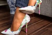 Shoes / by Patricia Paredes