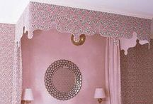 Design Details: Canopy Beds / Lately I am feeling inspired by bedrooms with large canopy beds as central focal points. Here are some great examples of bedrooms that are fit for any king and queen.