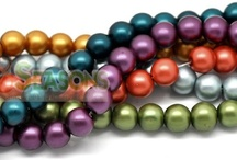 Loose Glass Beads / Find a full range of loose glass beads here.