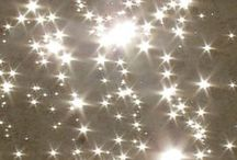 ★ Stars & glitters / Fashion, photography, home deco or jewelry, I just love everything that sparkles.
