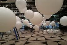 Giant Balloons / Huge! Giant! Balloons comes in 4ft, 5.5ft or 8ft varieties.  That's over 2m wide!!
