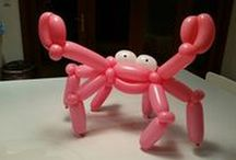 Balloon twisting / We love getting creative and designing small and large scale creations