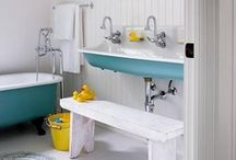 Teeny-Tiny Bathroom / by Reeve Coobs