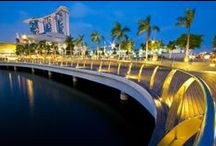 City Guide: Singapore / Looking for ideas on what to see and do in Singapore? Check out some of our suggestions! / by Gogo