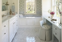 Bathroom Envy / If you love making a room pretty as much as we do, you'll love these inspirations for making your home fit your own personalized style!