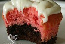 Cupcakes / Cakes / Pops / by Nancy Noel