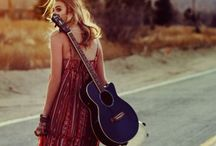 Music ♫ ♪ ♫ / by Monica Maniatakos
