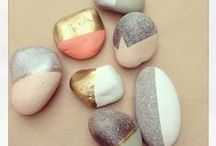 Colorful Stones / Having fun by painting stones... A craft that rocks !!!!