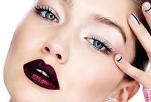Holiday Hair, Makeup, & Outfit Ideas / Holiday Style | From fashion to beauty. Here you'll find festive and stylish inspiration for the holiday party season. | Thanksgiving, Christmas, & New Year's Eve