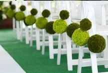 Emeralds, Limes and other Green Wedding Inspirations / Bold, Organic and Merry greens to inspire you!