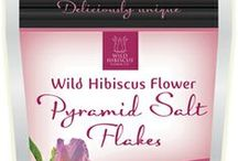 Wild Hibiscus Pyramid Salt Flakes / A simple blend of pure dried and ground hibiscus flowers and delicate Australian pyramid salt flakes!