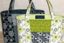 BAGS/ BAGMAKING / by Cindy Wendt