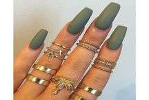 Nails / by Angelina Carrasco