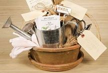 Gardener's Gift / Find the perfect garden gift for that flower-loving friend and make their day extra special!